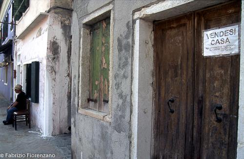 Veneice Jewish ghetto -- una casa in vendita- house for sale